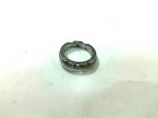 ナラカミーチェメッサアネリのリング
