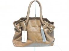 カリーノのハンドバッグ