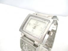 アンジェラの腕時計