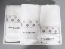 GIVENCHY(ジバンシー)の小物