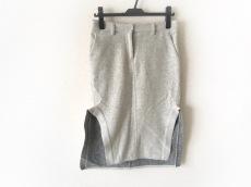 ファドスリーのスカート