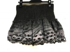 L.A.M.Bのスカート