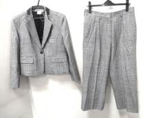 エリンのレディースパンツスーツ