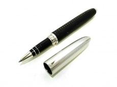 ルイヴィトンのドックレザーローラーボールペン