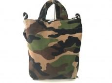バグゥのハンドバッグ