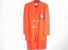ローレルエスカーダのワンピーススーツ