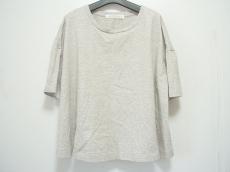 プリスティンのTシャツ