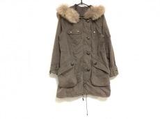 アバハウスドゥヴィネットのコート