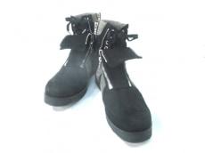 バックラッシュのブーツ