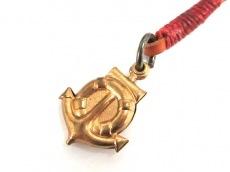 クーポールのネックレス