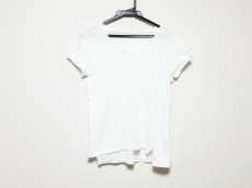 トゥデイフルのTシャツ