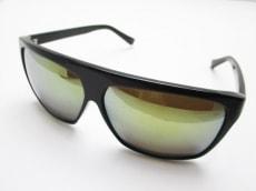 マックダディーのサングラス