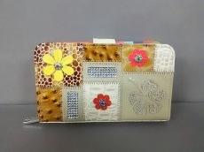 ミシェルアンジェロの2つ折り財布