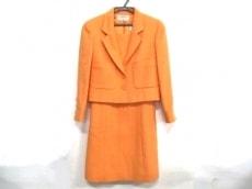 シャネルのワンピーススーツ
