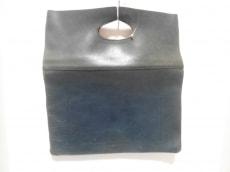 アミアカルヴァのハンドバッグ