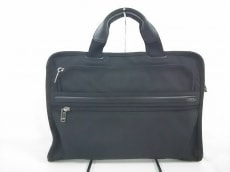 TUMI(トゥミ)のスリム・デラックス・ポートフォリオ・ブリーフのビジネスバッグ