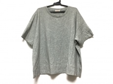 demylee(デミリー)のTシャツ
