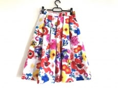 ミカニナガワのスカート