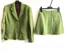 コリーヌサリューのスカートスーツ