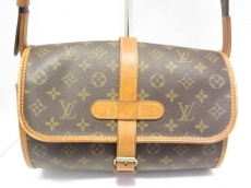 LOUIS VUITTON(ルイヴィトン)のマルヌのショルダーバッグ