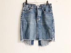 ワンティースプーンのスカート