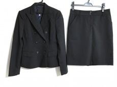 リッチモンドのスカートスーツ