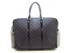 LOUIS VUITTON(ルイヴィトン)のポルト ドキュマン・ヴォワヤージュGMのビジネスバッグ