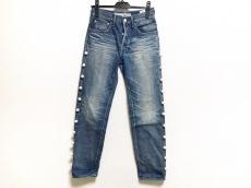 トゥエモントレゾアのジーンズ