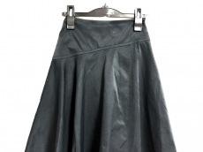 ユナイテッド トウキョウのスカート