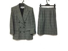 YvesSaintLaurent(イヴサンローラン)/スカートスーツ