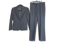 ラティールのレディースパンツスーツ