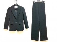 ハロッズのレディースパンツスーツ