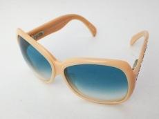 マシューウィリアムソンのサングラス