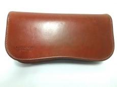 ラストクロップスの長財布