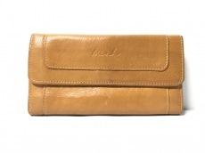 ミアの長財布