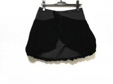 アリスアウアアのスカート