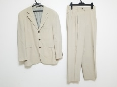 ビリデューエのメンズスーツ
