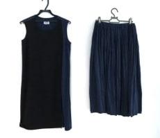 ニードルデザインのスカートセットアップ