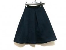 アイネアのスカート