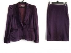 フェレ ミラノのスカートスーツ