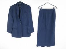 アイヴァンのスカートスーツ