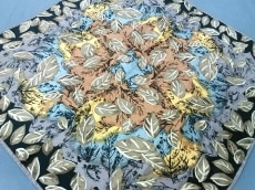 Guy Laroche(ギラロッシュ)のスカーフ