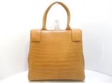 クワンペンのハンドバッグ