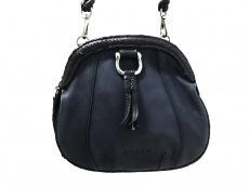 アミーコのショルダーバッグ