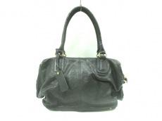 モンセラットデルカのハンドバッグ