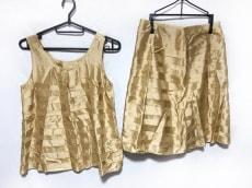 ラピスルーチェのスカートセットアップ