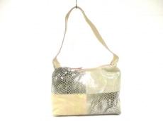ジュディットのショルダーバッグ