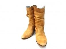ヒロミチナカノのブーツ