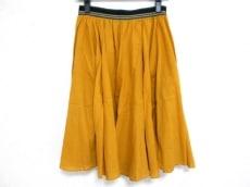 イナモラートのスカート