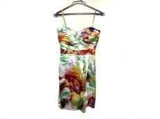 サンドロフェローネのドレス